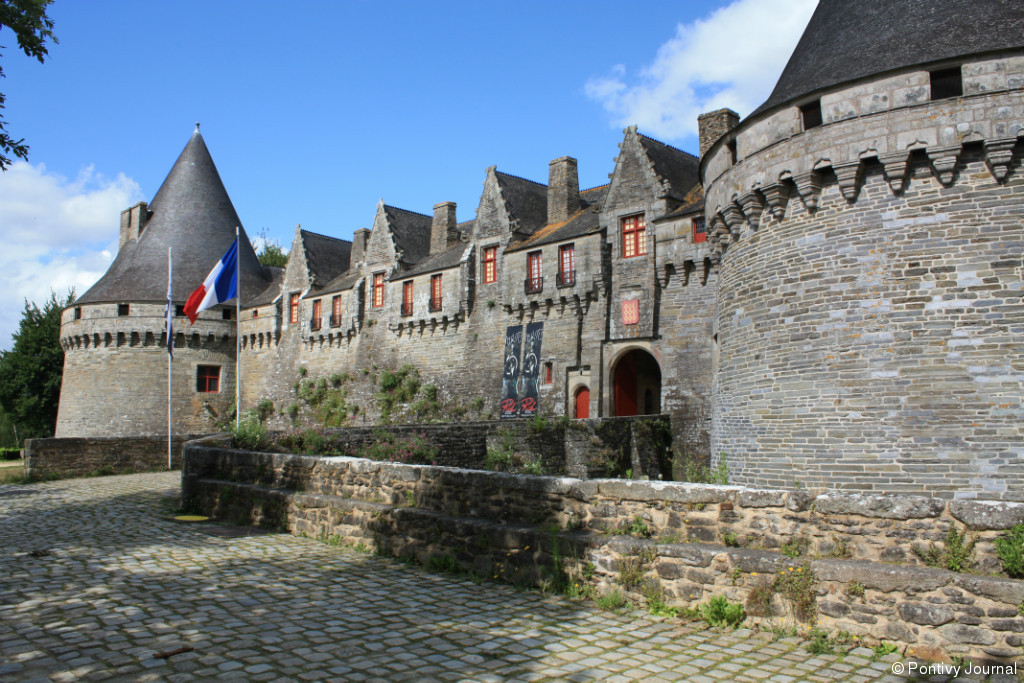 pontivy chatrooms Pontivy is close by offering all amenities and an intermarche is located on the way we visited vannes, port louis, josselin and lac de guerledan as well as pontivy itself all were great places to go and within an hour of travel.